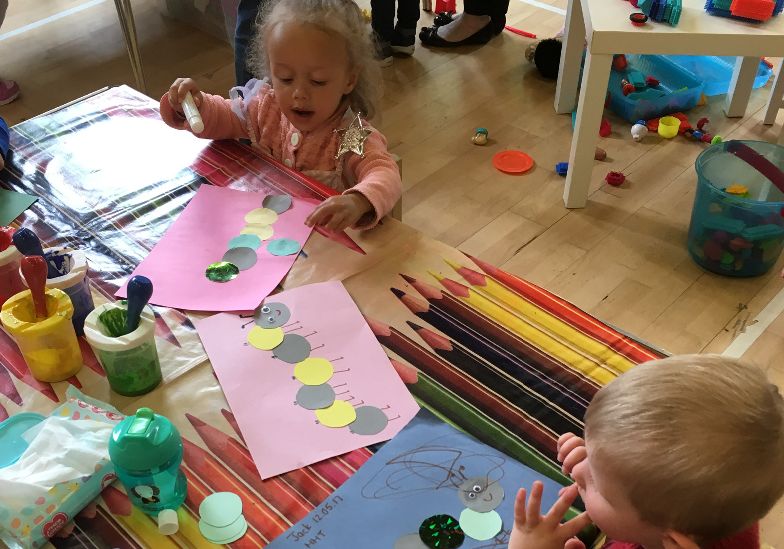 childmindingcolourplaycrafts